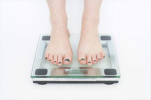 【朗報】ダイエット中デブワイ、ついに体重が減り始める!!!