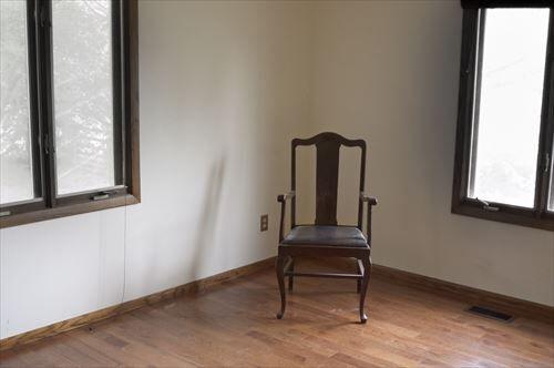 一人暮らしして部屋借りて、家具も電化製品もなし 何から必要?