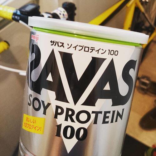 筋トレYouTuber「タンパク質は体重x2g以上摂れ」 僕「かしこまり!」