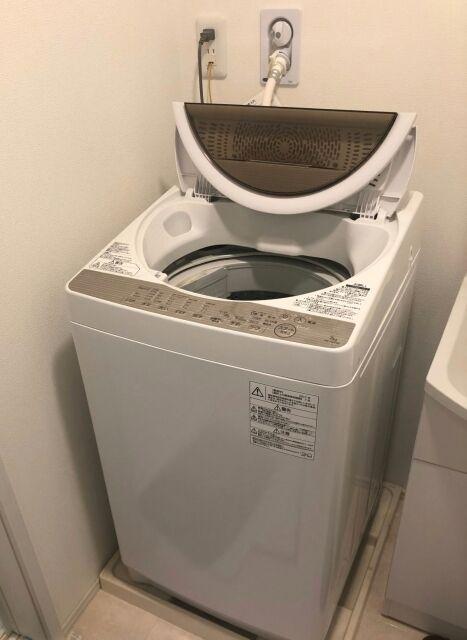 洗濯機置き場があるアパートなのにベランダに置く馬鹿