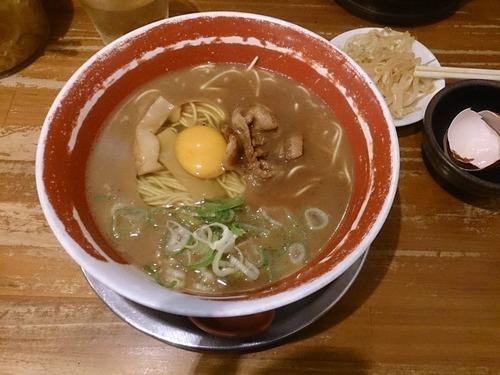 徳島ラーメンとかいうクッソ美味いのにマイナーに甘んじてるラーメン