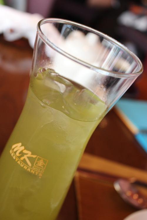 毎日、1リットルくらい水か緑茶飲むんやが、ヤバいか?