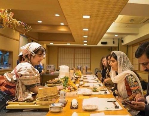 なでしこ寿司・店長「お客様と一緒に街へ出かけるイベントもしている。お客様は独身男性が多い」
