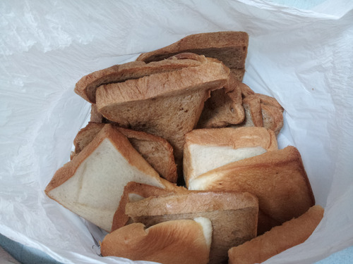 【助けて】明日までに大量のパン耳を処理しなければいけない【残金200円】