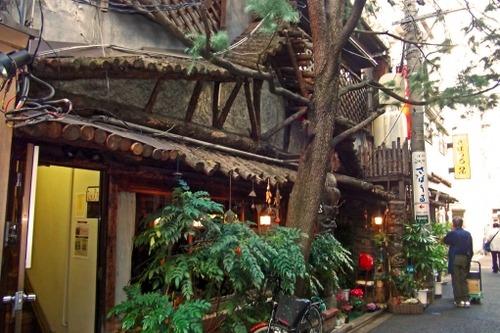 神保町とかいうアクセス、グルメ、娯楽、住み心地、カレー、雰囲気すべての面で最強な街