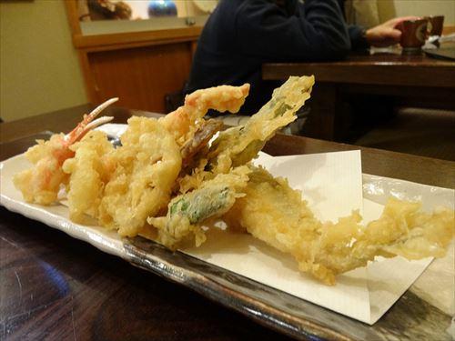 マッマ「ご飯よ~今日は天ぷらよ」ワイ「おお(イカ天か海老天あるとええな)」