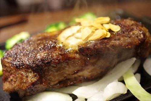 日本人「アメリカ人は毎日ステーキ食べてる」 アメリカ人「ステーキは特別な日のごちそう」