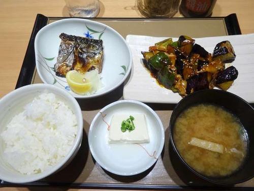 やよい軒でご飯のおかわりが進むメニュー1位を発表!!!!!!!