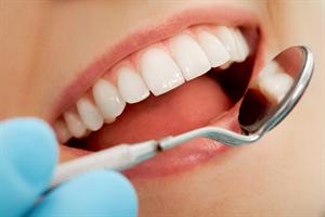 歯医者「食後すぐ磨くな!歯磨き粉は2日に一回で良し!ブラシは一ヶ月で交換!」