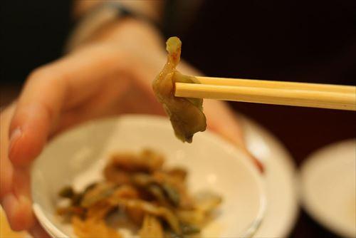 『ザーサイ』とかいう中華のセットで誰にも食べられることなく捨てられる運命の謎の漬物