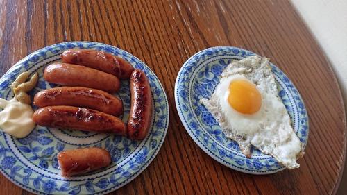 ニートが作る料理のソーセージ率は異常