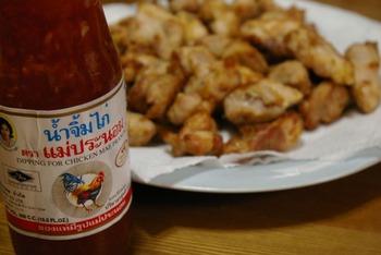ピリッとした辛味に甘さが加わったエスニック調味料「スイートチリソース」の美味しい使い方