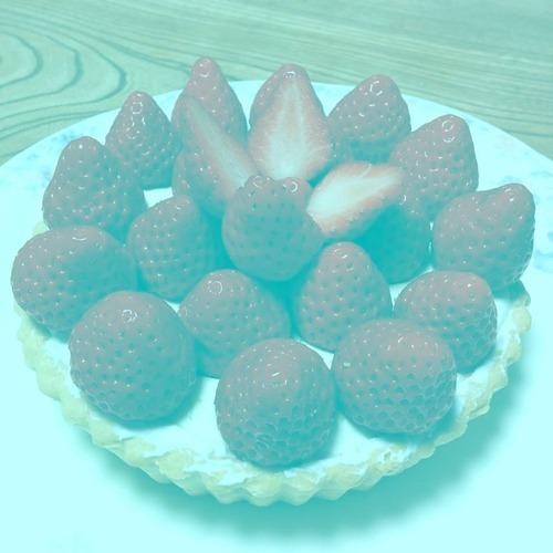 【話題】イチゴが赤く見える錯覚画像が話題に 画像の中に赤色のピクセルは存在せず
