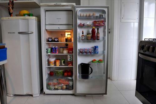ニキらどこの冷蔵庫使ってる???