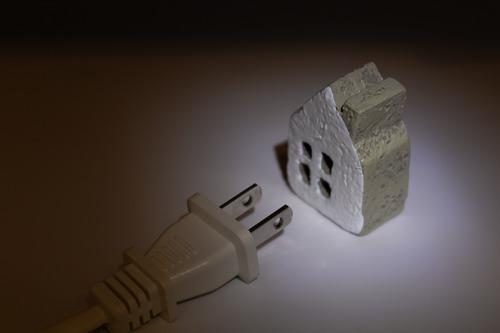 千葉の大停電は他人ごとではない。通信、冷房、医療、交通、入浴、食料などの対策案について検討しよう