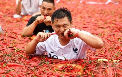 中国の唐辛子の大食いコンテストがすごいと話題に