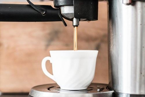 コーヒーメーカー買って豆から入れて飲むようになって一月が過ぎたが