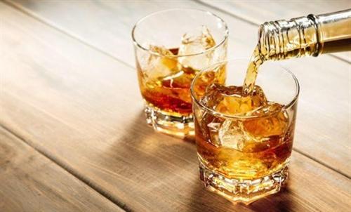 【安過ぎる酒禁止!】 スコットランド、アルコールに最低価格制を導入