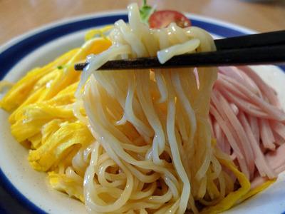 東京じゃ冷やし中華にマヨネーズをいれないらしいww ほんと食文化遅れてるなw