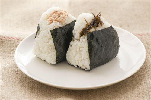 rice-ball-1919631_1280_R