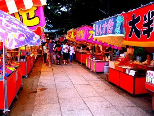 子供の頃祭りの屋台で1000円渡されて食べる物といえば