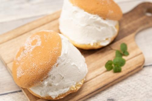 ほらもうクリームをパンで挟んだあのお菓子の名前忘れたやろ?