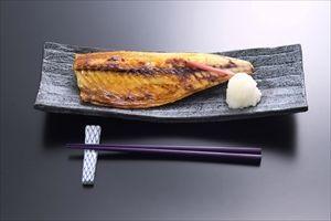 水産庁、「骨付き魚」を給食へ いい年して焼き魚をきれいに食べられないのは格好悪いからな