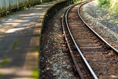 電車が30分に1本の田舎に住んでるんだが住み心地良さすぎて草