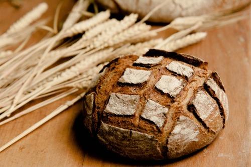 ヨーロッパの人って毎日、自宅でパン作るの?