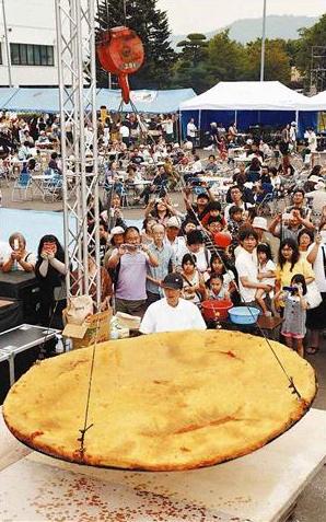 300kgの巨大コロッケ祭り!※ただし出来上がったコロッケは食べず