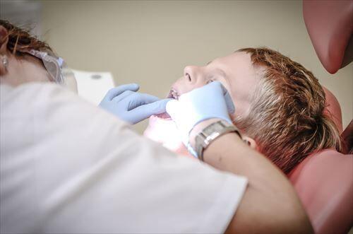 歯医者「あっ!歯石付いてますね~、取りましょう!」ウキウキ