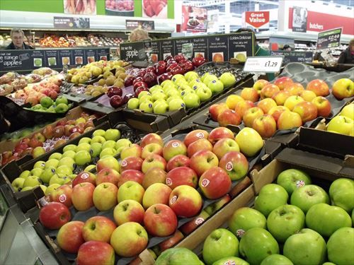 apples-in-supermarket_R