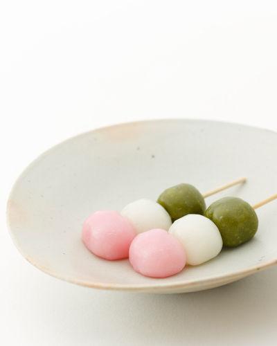 よく漫画で三色団子ってあるじゃん?ピンクと白と緑の色がついて串に刺さった団子