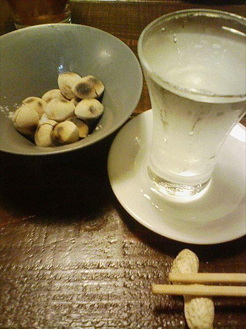 【悲報】日本酒に合う安いつまみ、無い