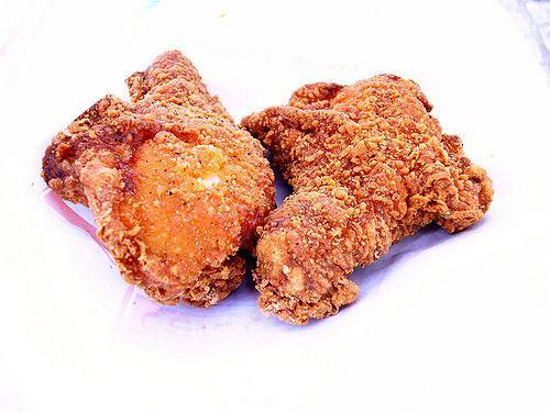 ファミチキ、黄金チキン、揚げ鶏論争
