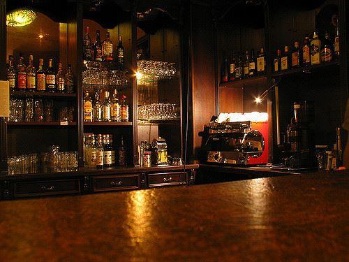 バーとかいう飯の食えない居酒屋wwwwwwww