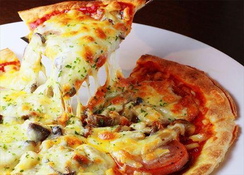 冬の夜にピザを頼むのやめろ