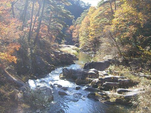 山梨「温泉あります、飯うまいです、景観綺麗です」←こいつが流行らない理由