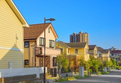 街並み「一軒家、ズラッ!w」←ファ!?一軒家買えるほど余裕ある奴がこんなにおるんか!?