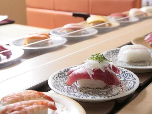一人回転寿司って普通なんか?