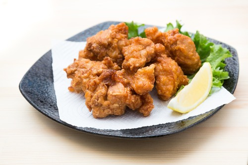 鶏のから揚げザクザク派かモニュモニュ派か