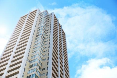 【悲報】ガチの上級が住むマンションって1階に自販機があるらしい・・・