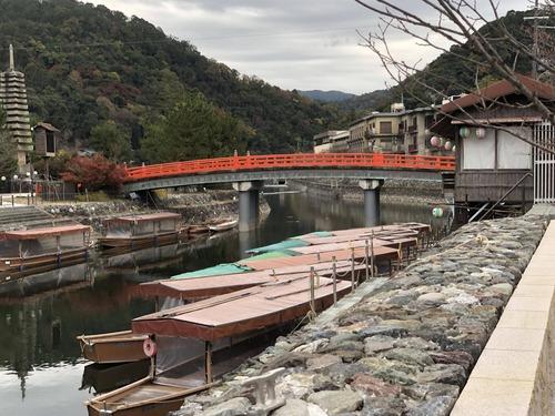 京都旅行直前ワイ「寺院巡り!グルメ!!うおお!」京都着いたワイ「飽きた…王将食ってホテル帰ろ…」