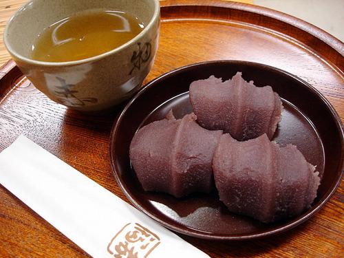 東京の人ってひょっとして赤福を食ったことなかったりするの?