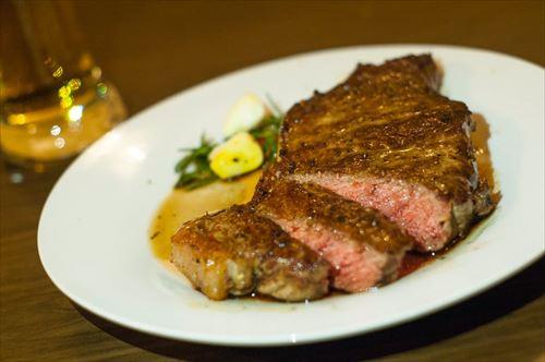 高級なステーキと安いステーキの違い