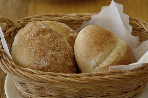 海外「日本のパンは柔らかすぎて物足りない。おやつかよ」
