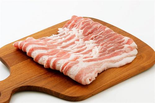外国人「なんで日本ってこんなに肉高いんだ?買わせないつもりか?」
