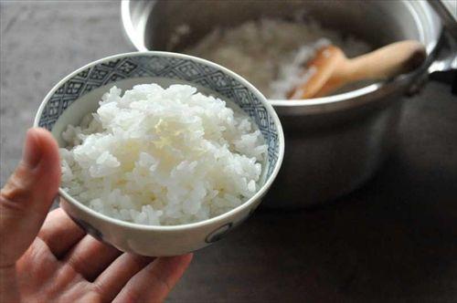 ご飯炊くときに米を一時間以上水に漬けるってのがあるじゃん?