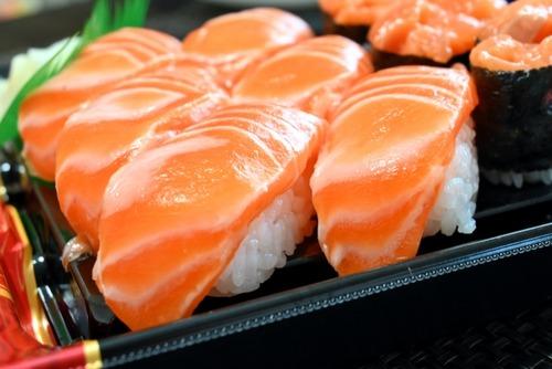 【悲報】台湾スシローの無料キャンペーンのため改名した「鮭魚之夢」さん、名前を戻せなくなる