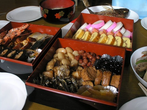 一般的な家庭での御節料理(おせちりょうり)P1010437_R